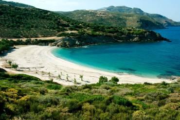 Δύο μικροί παράδεισοι σε απόσταση 2 ωρών από την Αθήνα - iTravelling