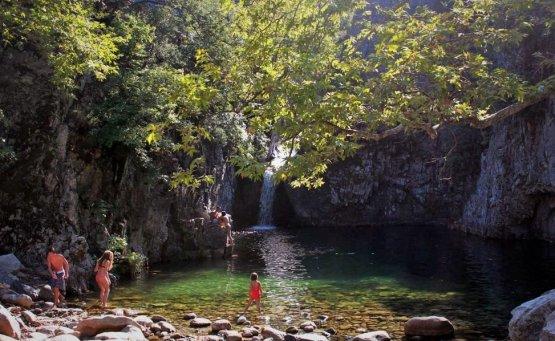 Βάθρες: Οι φυσικές πισίνες της Σαμοθράκης - itravelling.gr