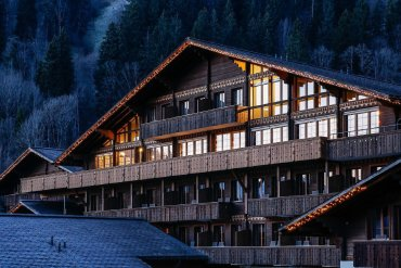 Huus Gstaad: Ένα πολυτελές θέρετρο στις ελβετικές Άλπεις - itravelling.gr