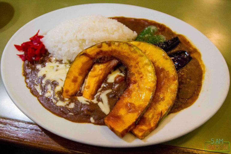Niagara Curry: Το εστιατόριο που ένα τρενάκι σου σερβίρει το φαγητό! - itravelling.gr