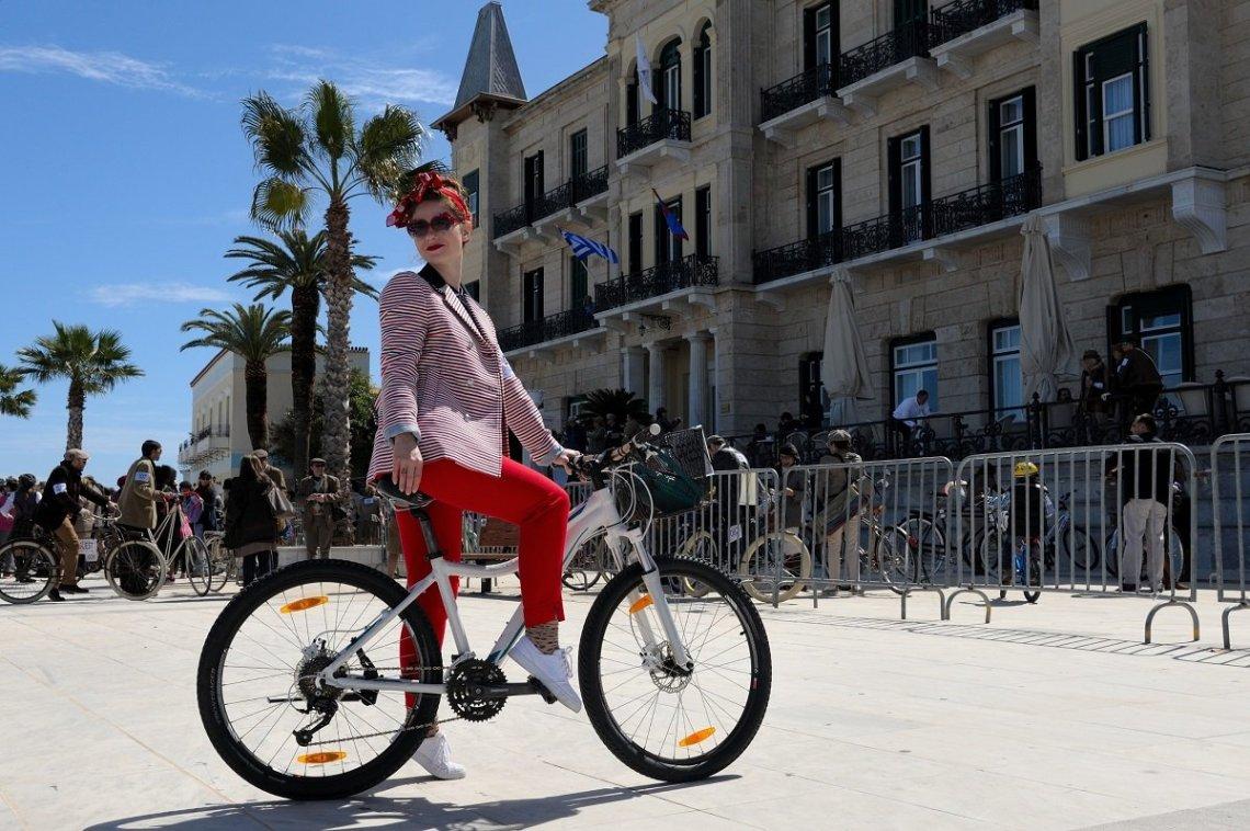 Tweed Run Spetses: Μια ποδηλατάδα με dress code - itravelling.gr