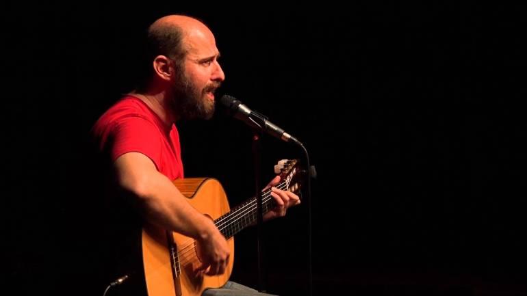 Αριστοτέλης Ρήγας: Ο μουσικός κωμικός της standup comedy στο iTravelling.gr! - itravelling.gr