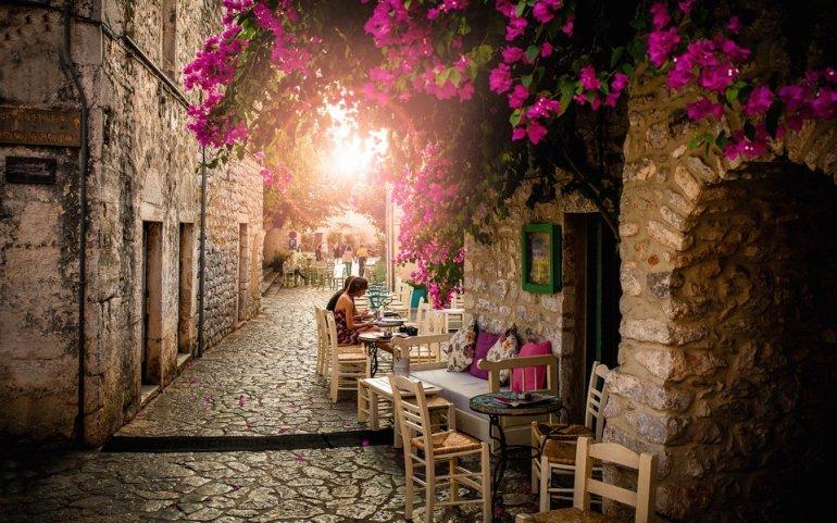 Mani Mindfulness Escape: Ένα τριήμερο ευεξίας στη Μάνη - itravelling.gr