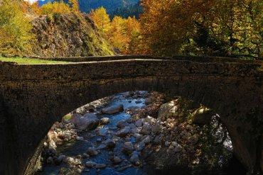 Θεοδώριανα: Το χωριό με τους διπλούς καταρράκτες στην Ελλάδα - iTravelling.gr