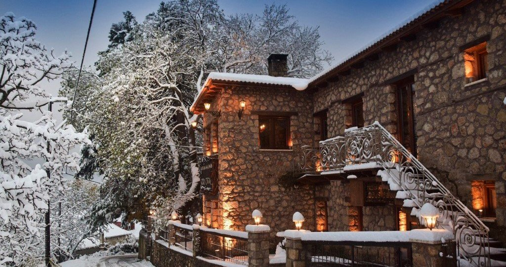 Τρίκαλα Κορινθίας: Για ρομαντικό διήμερο στη χιονισμένη Ζήρεια