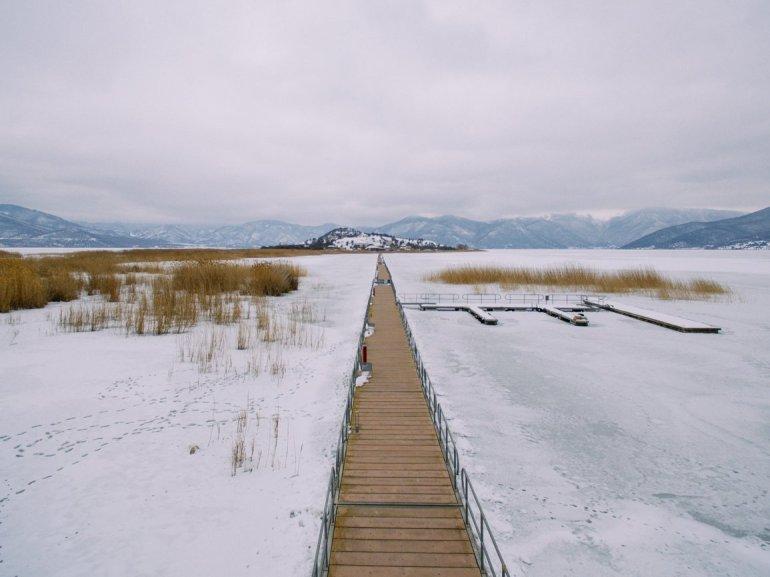 8 χιονισμένες λίμνες βγαλμένες από παραμύθι! - itravelling.gr