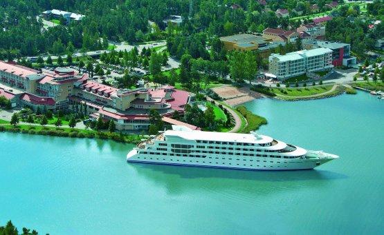 8 πλωτά ξενοδοχεία για να μην πατήσεις το πόδι σου στην στεριά! - itravelling.gr