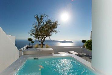 Το Grace Hotel Santorini στα κορυφαία ξενοδοχεία στην Ευρώπη - itravelling.gr
