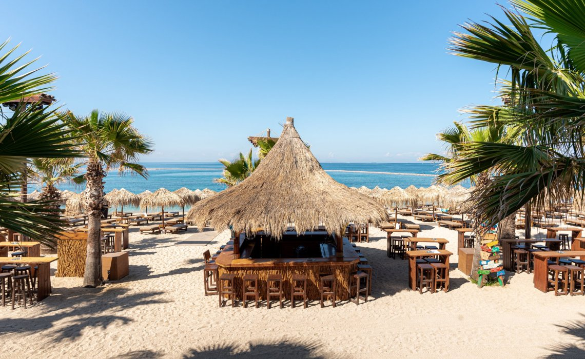 Καλοκαίρι στην Αθήνα: Μια ημέρα στο Bolivar Beach Bar - itravelling.gr