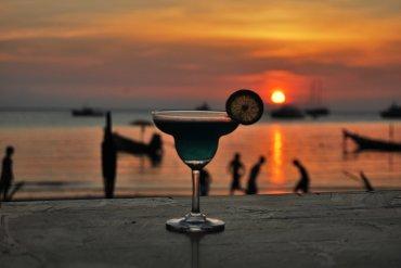 3+1 μπαρ για να κάνεις κρουαζιέρα στα νησιά του Αργοσαρωνικού - itravelling.gr