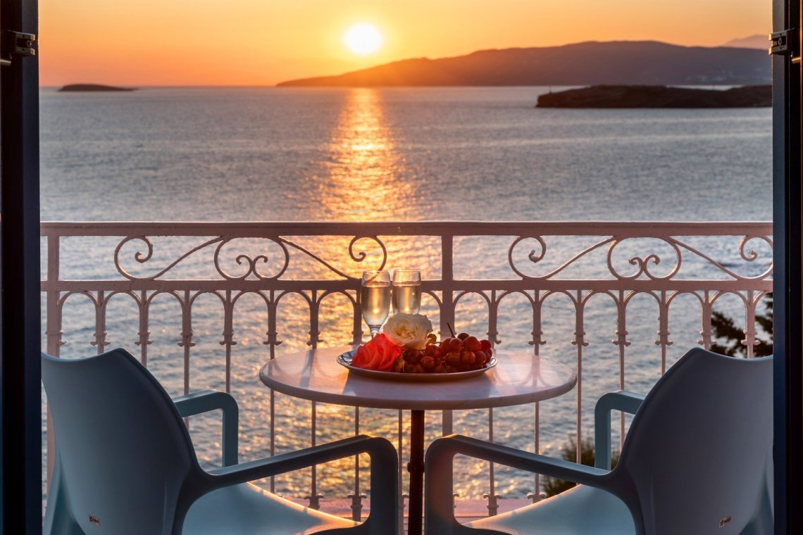 Aneroussa Beach Hotel: Ένα art - boutique hotel στην Άνδρο - itravelling.gr