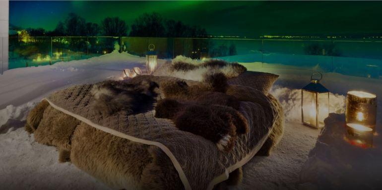 Aurora in Bed: Ένα υπαίθριο γούνινο κρεβάτι με θέα στο Βόρειο Σέλας - itravelling.gr