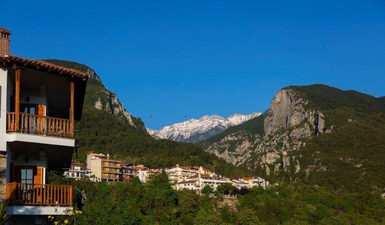 Τα πιο όμορφα  χωριά που πρέπει να επισκεφτείς! - itravelling.gr