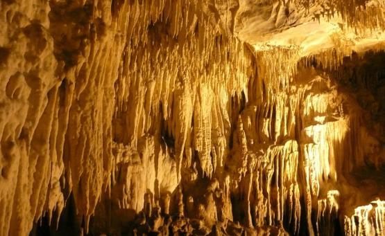 Σπήλαιο του Δράκου: Το μαγευτικό σπήλαιο με τις εφτά υπόγειες λίμνες στην Καστοριά