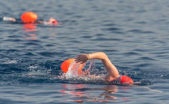 2.500 χρόνια μετά ο Αυθεντικός Μαραθώνιος Κολύμβησης - itravelling.gr