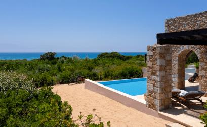 Το καλοκαίρι ξεκινά στη Costa Navarino - itravelling.gr