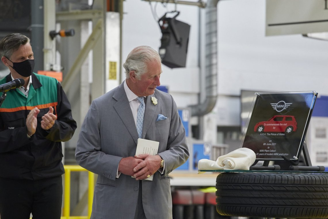 MINI: Ο Πρίγκιπας Κάρολος στο εργοστάσιο της Οξφόρδης