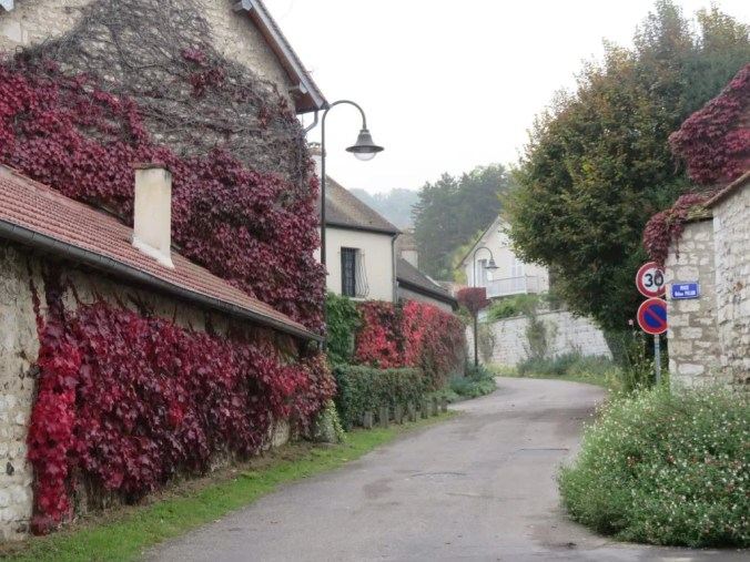 Photo of the beautiful streets of Giverny