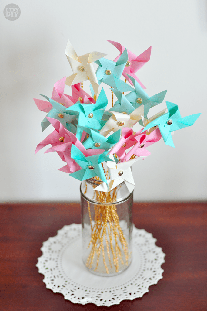 I Try DIY | Mini Pinwheel Bouquet