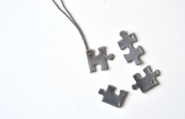 I Try DIY | Jigsaw Puzzle BFF Necklace Pendants
