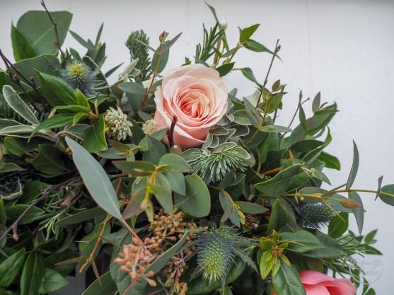 the real flower company, christmas wreath, christmas flowers, christmas florals, christmas dining table, christmas ideas, flowers, fresh flowers, door wreath, table wreath, floral boutique, winter flowers