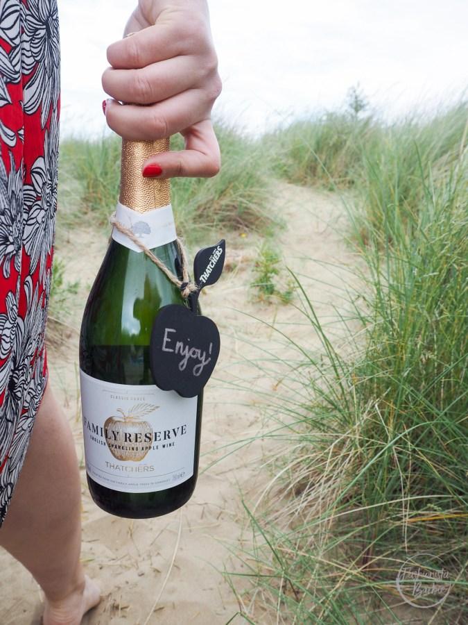 Thatchers Family Reserve, Thatchers, Beach Picnic, Summer Celebrations, Summer Drinking, Drinking, Celebration, Beach, Lifestyle Blogger, Fashionista Barbie,