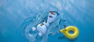 olaf-the-snowman-swimming