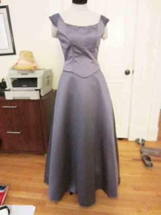 wisteria-with-petticoat