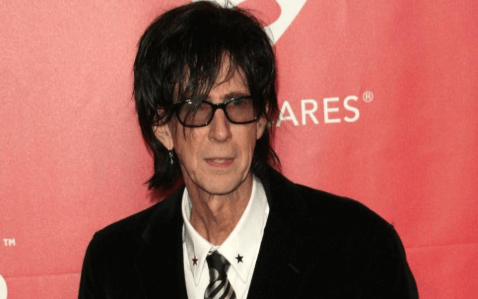 Ric Ocasek American Singer Bio Wiki Age Wife Death Net Worth Otcasek was born on the 23rd march 1949, in baltimore, maryland usa, and is a musician, singer, and songwriter. ric ocasek american singer bio wiki