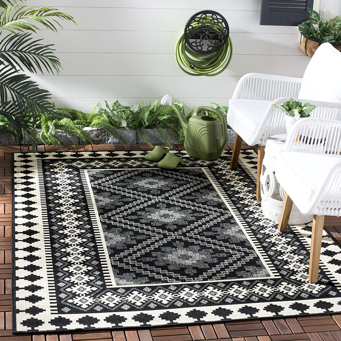black and white geometric pattern outdoor rug