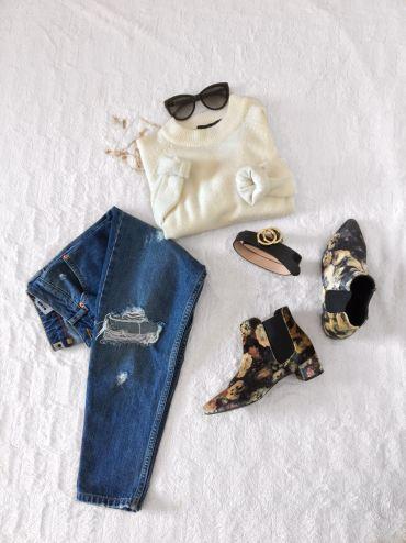 Jumper: Primark, Jeans: Topshop, Boots: Topshop, Belt: H&M, Necklaces: Primark, Earrings: H&M, Sunglasses: Roberto Cavalli