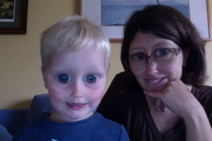 E and Mama frogs photo booth