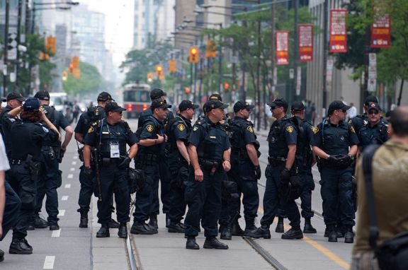2010_G20_Toronto police