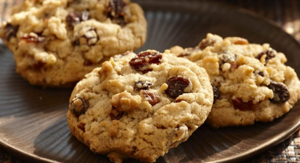 Cinnamon-Oatmeal-Raisin-Cookies.ashx_