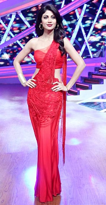 Shilpa-Shetty-Kundra-red saree gown diwali 2014