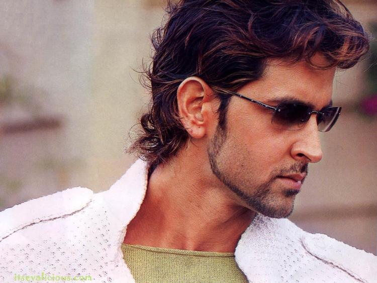 The-Bollywood-Star-–Hrithik-Roshan-actor Hrithik Roshan Hd wallpaper