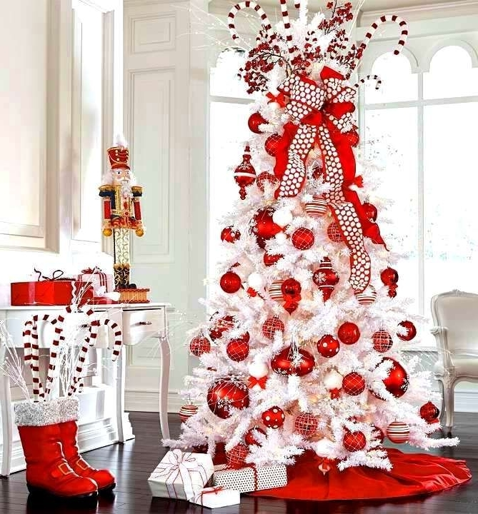 Christmas white And Red tree