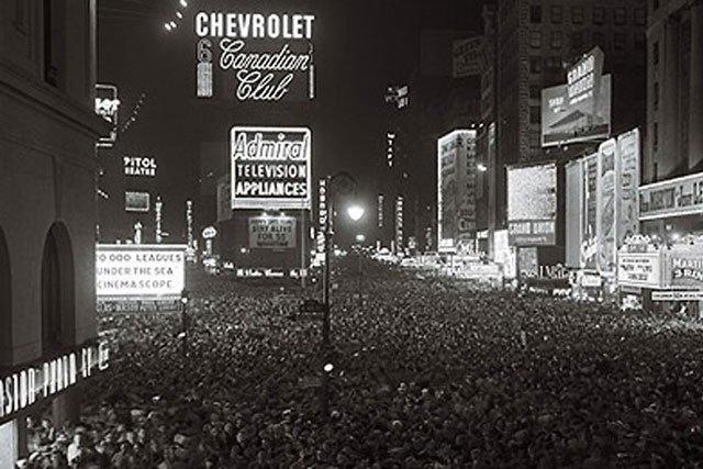 https://i0.wp.com/itsfreshradio.com/wp-content/uploads/2012/01/NYC-Times-Square-1904-640_s640x427.jpg