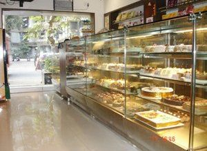 Photo of MONGINIS – THE CAKE SHOP