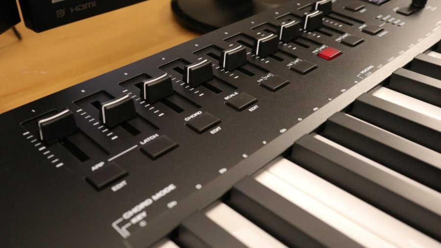 M-Audio Oxygen Pro 49 - SLIDERS LEFT SIDE
