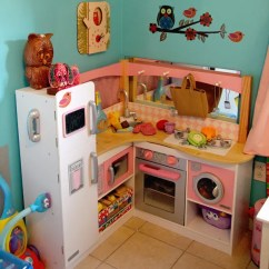 Kitchen Kid Island Furniture Our Favorite Food Toys For Kids It S Gravy Kidkraft Grand Gourmet Corner