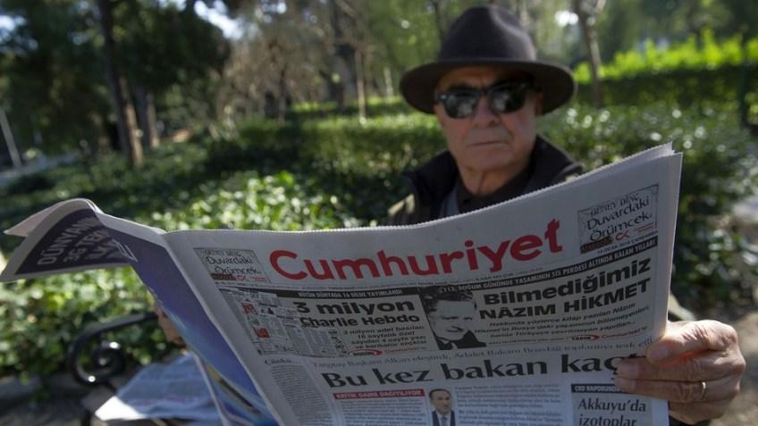 Turqia bllokon uebfaqet që publikojnë kopertinat e Charlie Hebdo