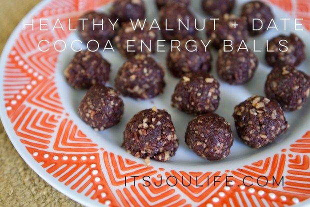 Healthy Walnut + Date Cocoa Energy Balls  // itsjoulife.com