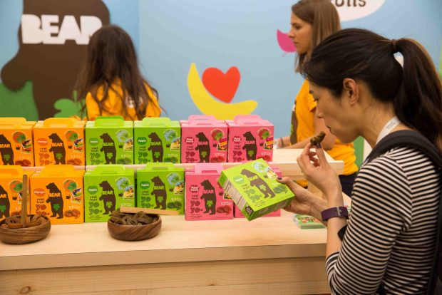 Bear Fruit Snacks. Top Trends at Natural Products Expo West 2018 via It's Jou Life blog - https://wp.me/p7RBMP-1b2