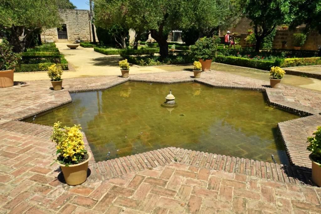 Pond in Jerez alcazar gardens