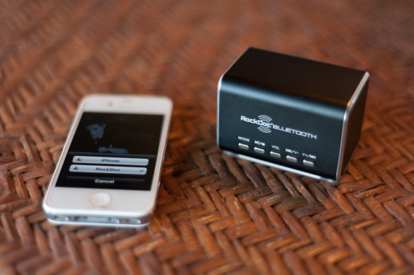 RockDoc-Bluetooth-Speaker-Michael-Buble-Airplay-iPhone-4S