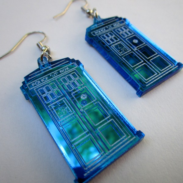 Doctor Who Dr Who Tardis Police Box close up pic with trees in reflectioon