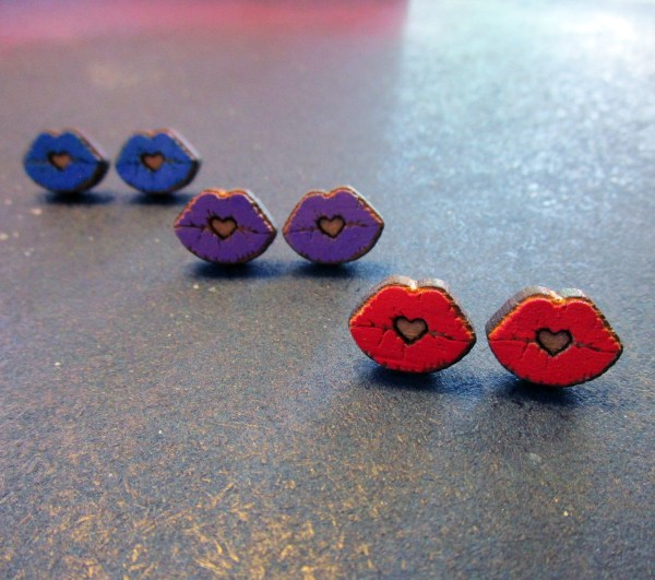 heart lips laser engraved hand painted stud earrings in row