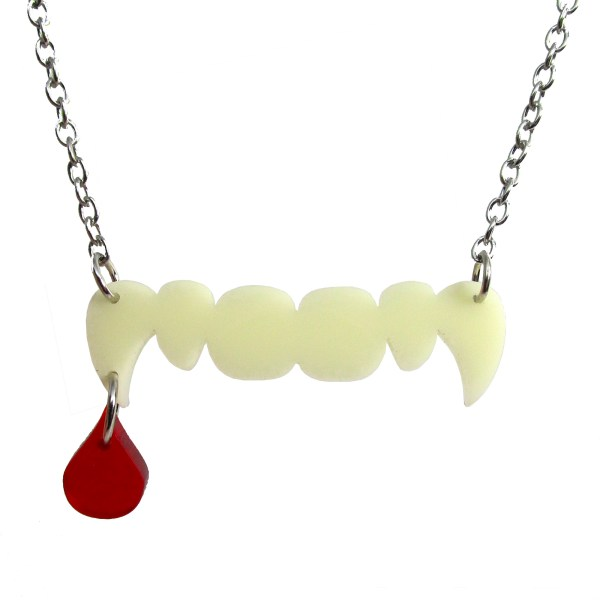 fun vampire teeth with drop of blood pendant necklace halloween jewlery