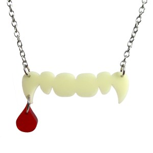 fun vampire teeth with drop of blood pendant necklace halloween jewlery